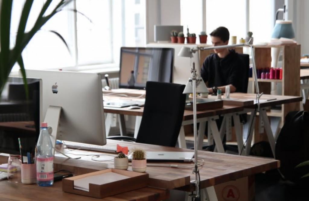 Designmøbler på arbejdspladsen udstråler succes